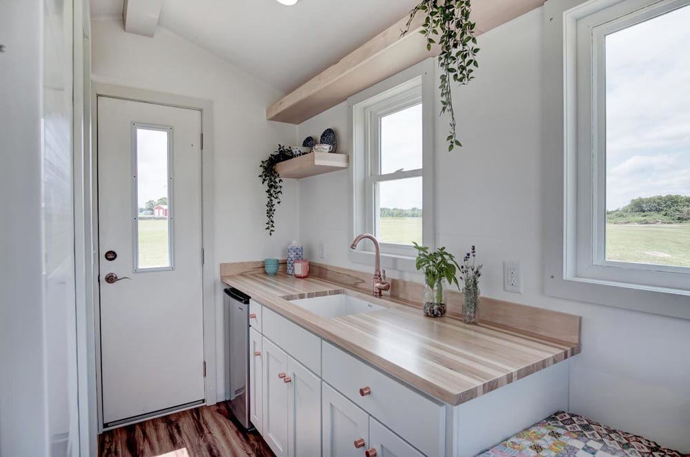 102-Square-Foot Tiny House - Nugget by Modern Tiny Living