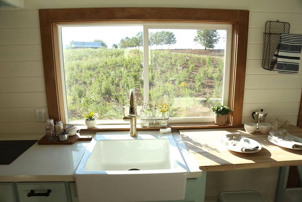 Apron Sink - Rustic Tiny Home by Tiny Heirloom