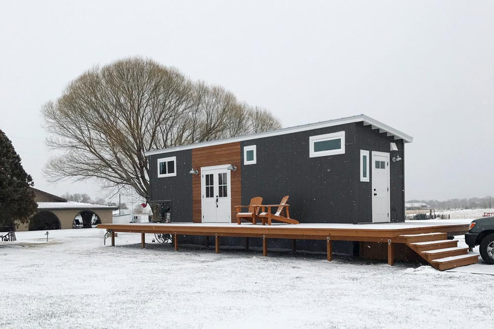 Tiny House in the Snow - Wandering on Wheels