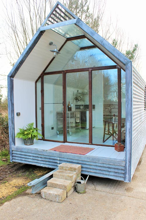 Veranda - Mini Cabin by Contemporary Shepherds Huts