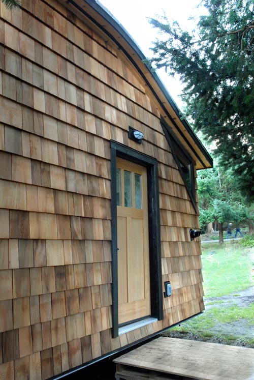 Cedar Siding - Curved 260 Micro Home by Structural Spaces