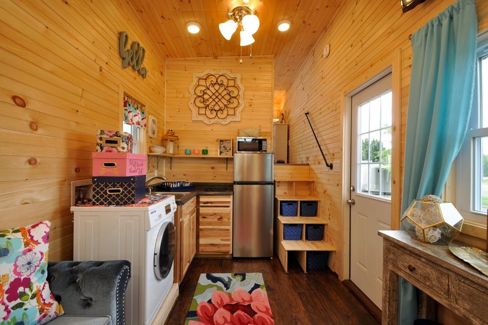 Kitchen - Georgia by Tiny House Building Company