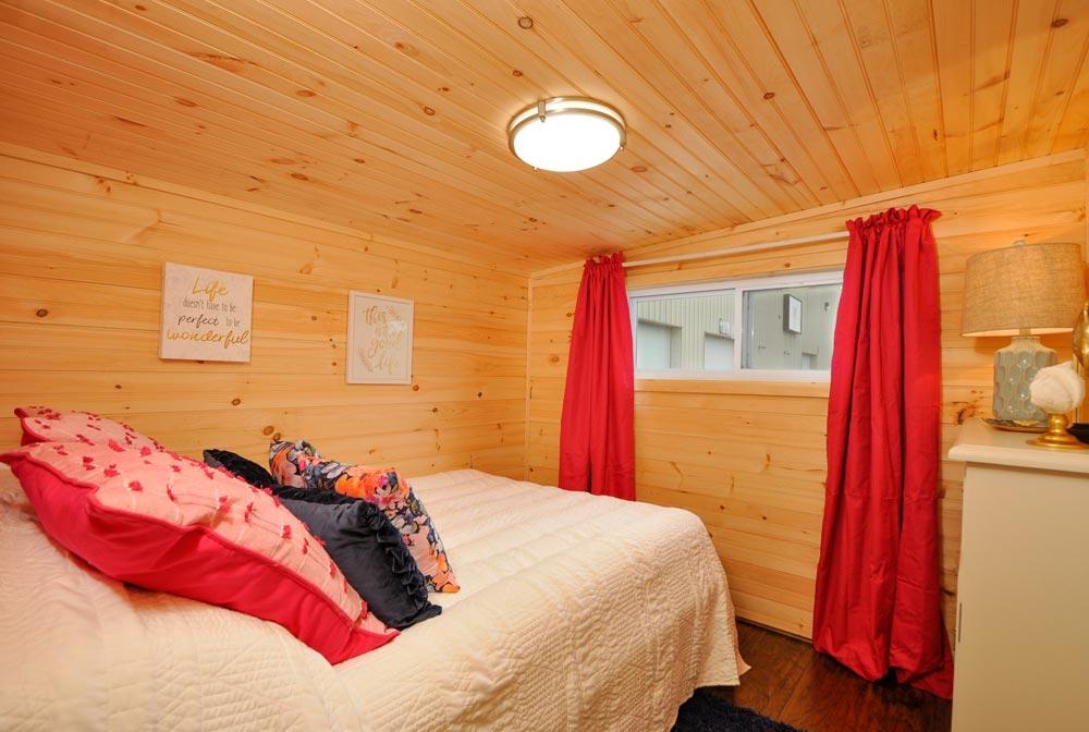 Gooseneck Bedroom - Georgia by Tiny House Building Company