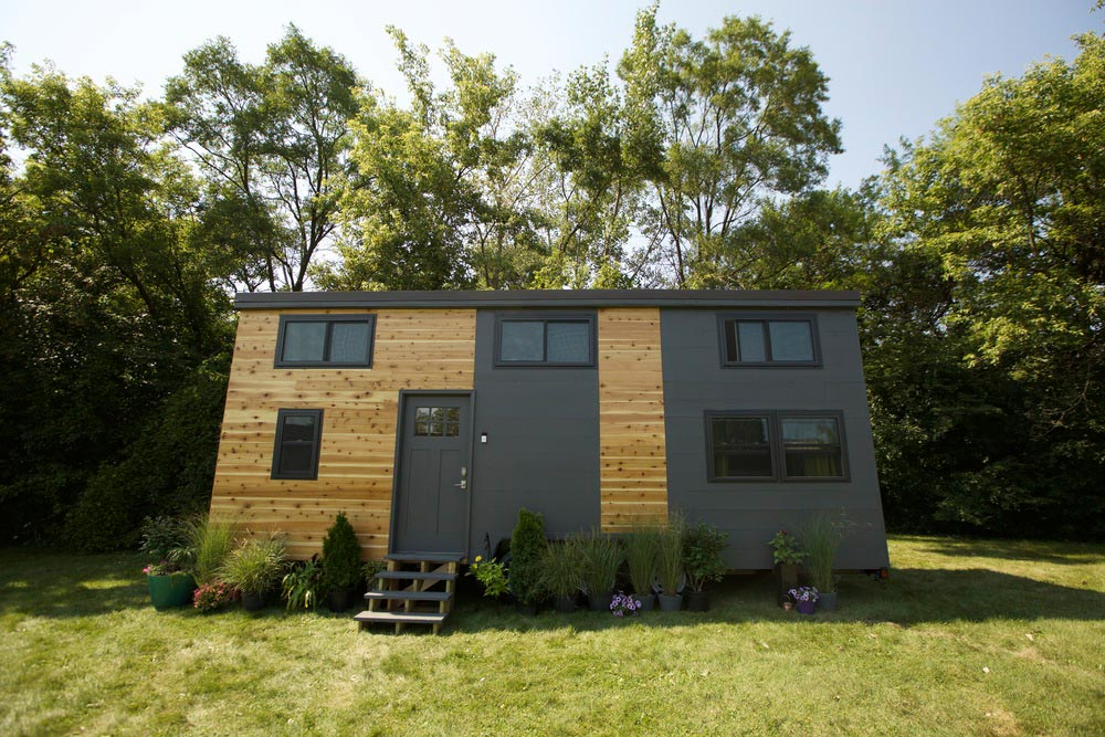 Modern tiny smart home tiny living for Smarter small homes