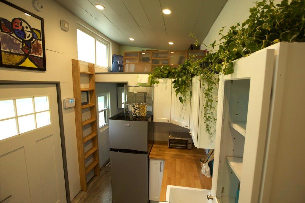 Kitchen & Loft - Modern Tiny Smart Home