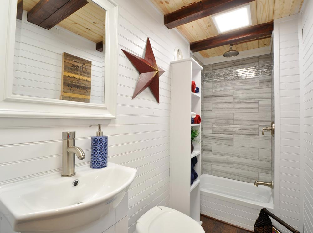 Bathroom - Patriot by Tiny House Building Company