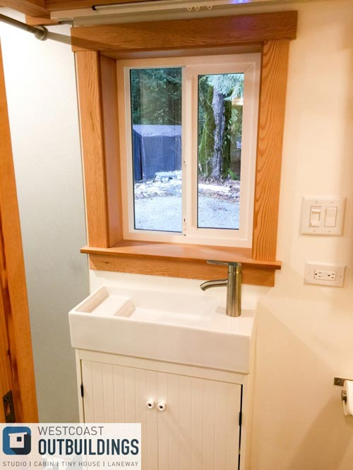 Sliding Bathroom Mirror - Skookum 26' by Westcoast Outbuildings