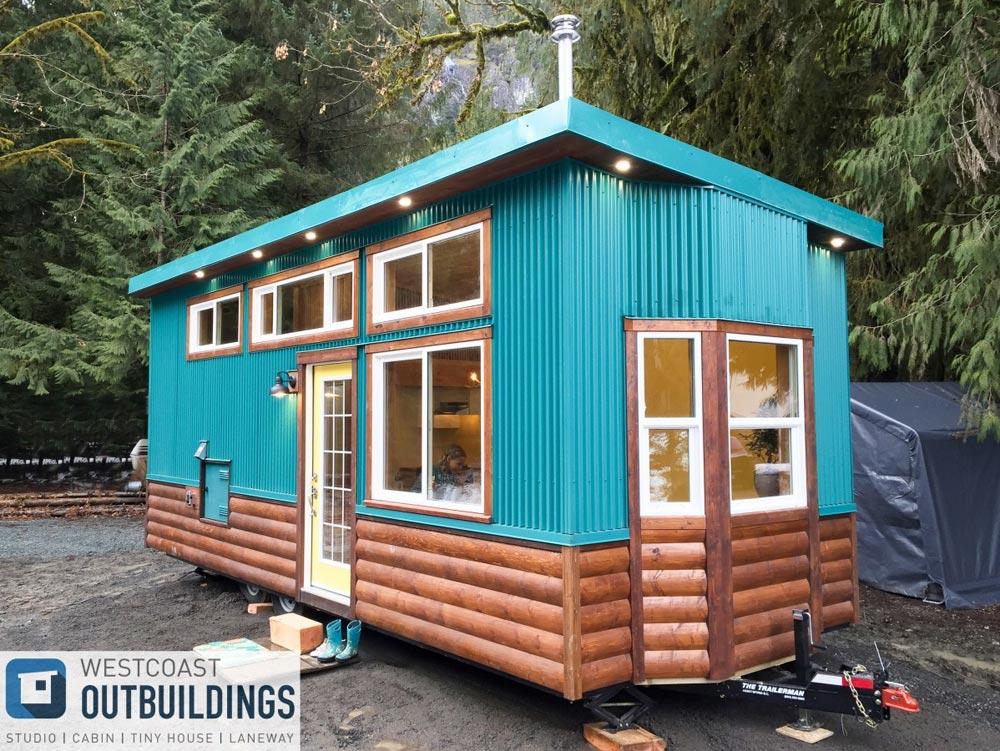 Bay Window - Skookum 26' by Westcoast Outbuildings