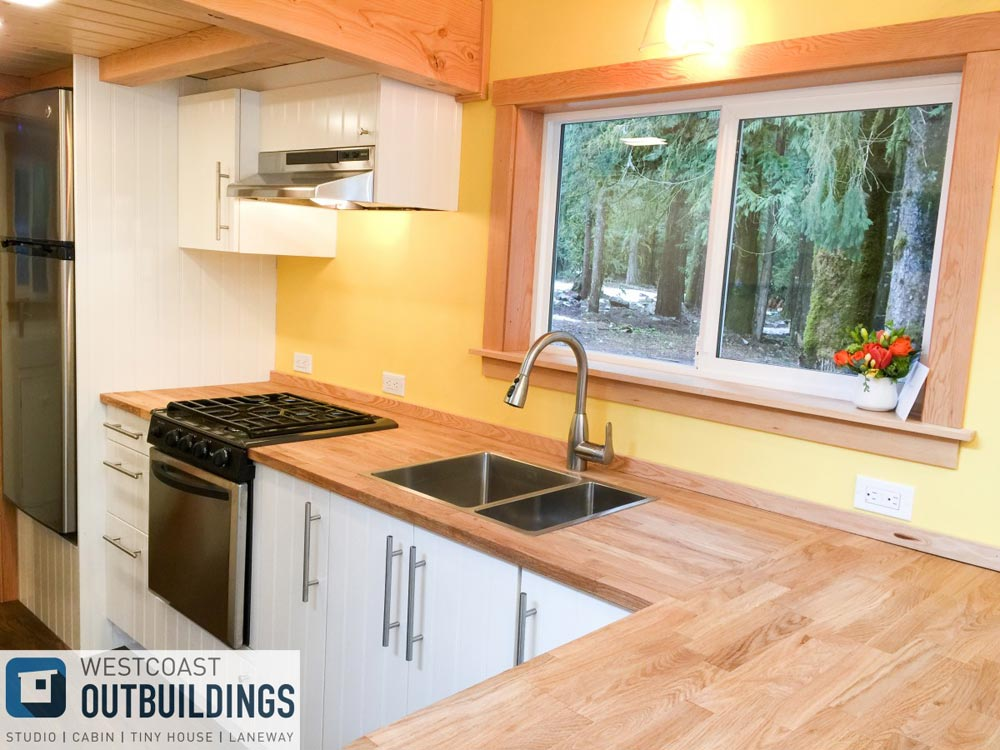 Wood Counters - Skookum 26' by Westcoast Outbuildings