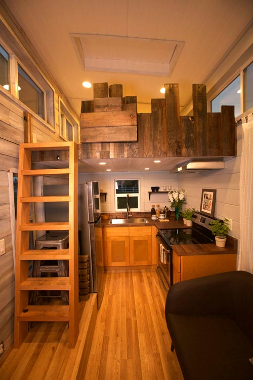 Kitchen - Tiny Tech-Free Retreat