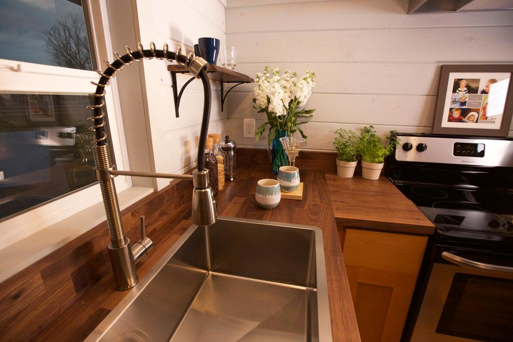 Kitchen Sink - Tiny Tech-Free Retreat