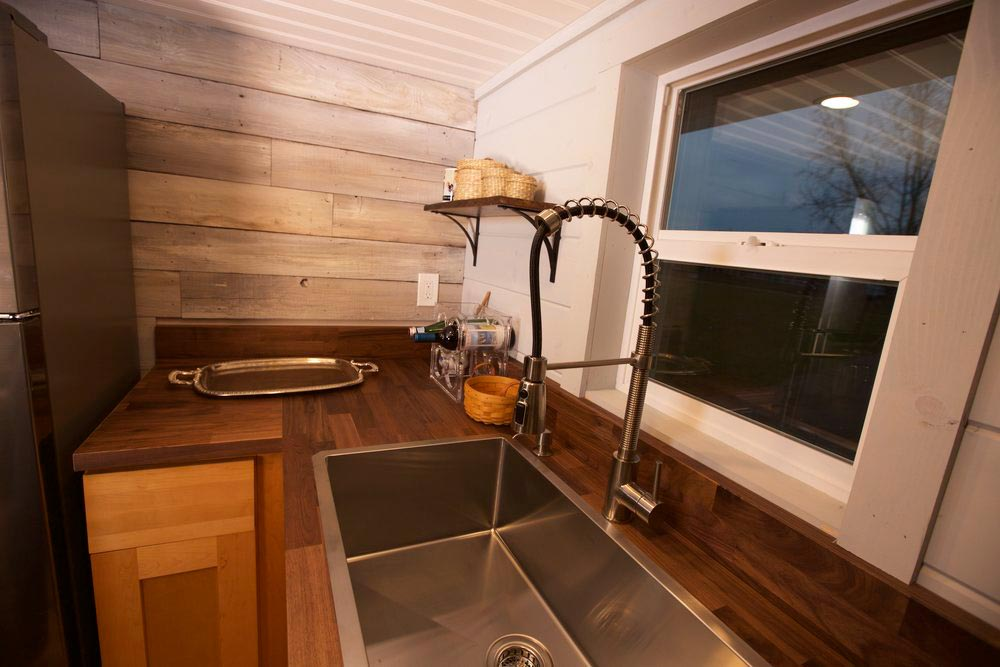Commercial Sink - Tiny Tech-Free Retreat