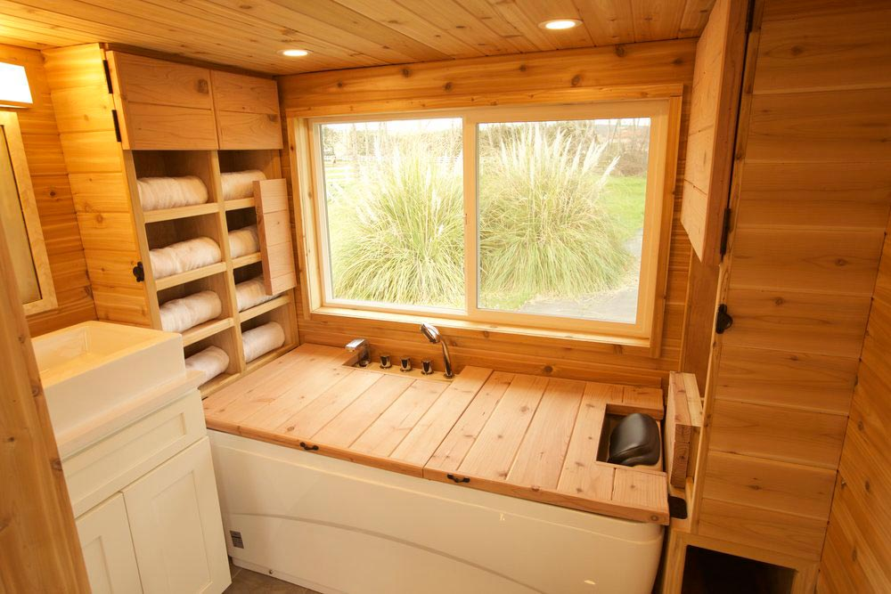 Sauna - Tiny Tech-Free Retreat