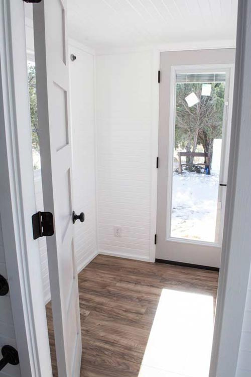 Private Office Space - Williams by Tiny Treasure Homes