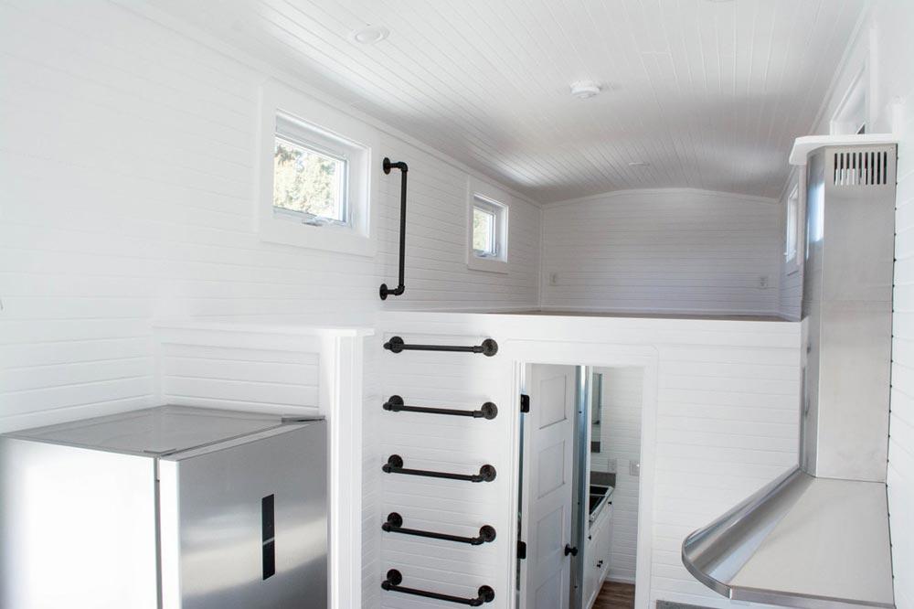 Kids' Bedroom Loft - Williams by Tiny Treasure Homes