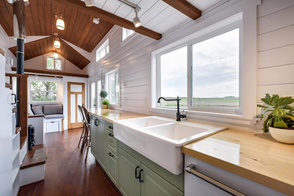 Apron Sink - Custom 30' by Mint Tiny Homes