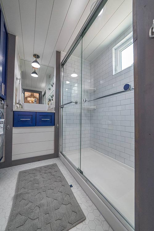 Full Size Shower - Henderson by Movable Roots