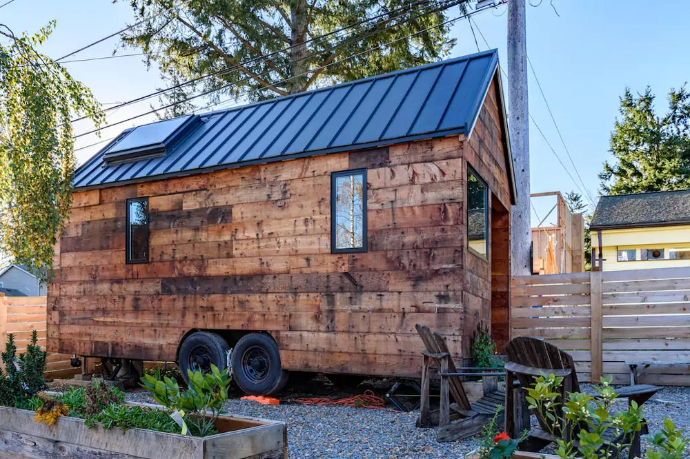 Seattle Airbnb - Tipsy the Tiny House
