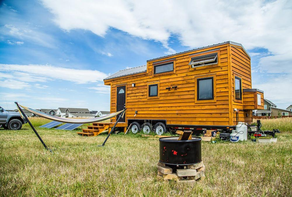 bozeman off grid tiny house tiny living. Black Bedroom Furniture Sets. Home Design Ideas