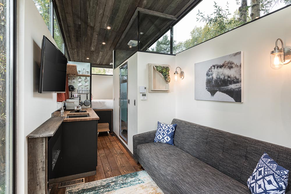 Living Room & Kitchen - RoadHaus by Wheelhaus