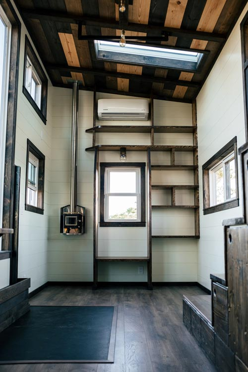Reading Nook - Silhouette by Wind River Tiny Homes