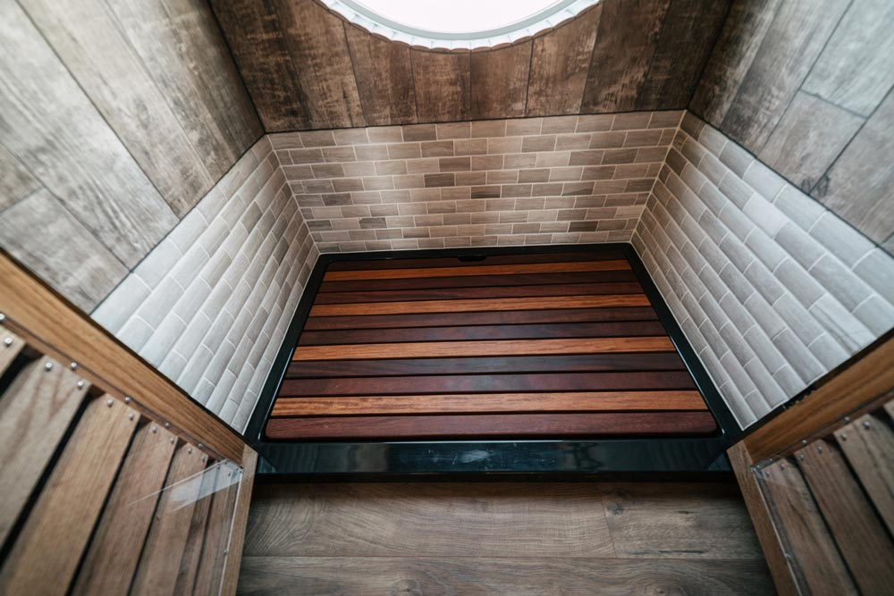 Custom Shower - Silhouette by Wind River Tiny Homes