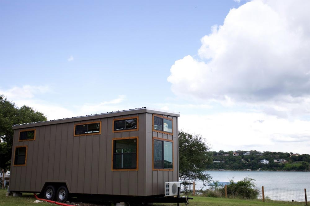 Lake Travis - Texas Waterfront by Nomad Tiny Homes