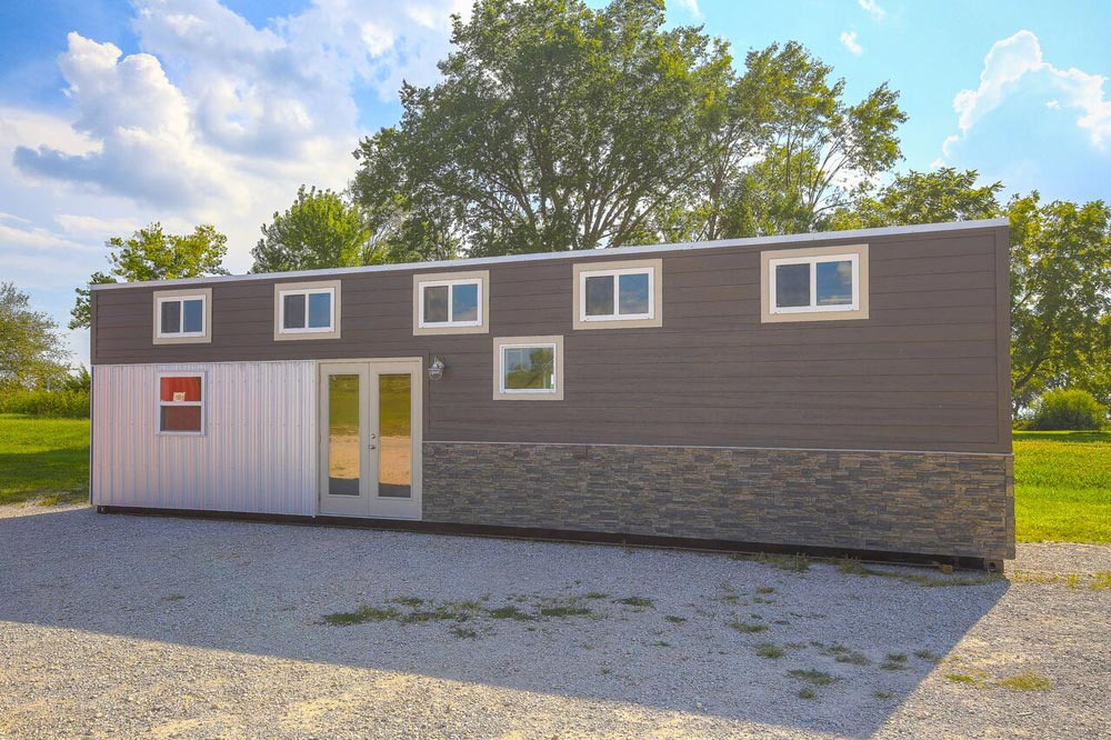 Empty nester by custom container living tiny living for Built by nester