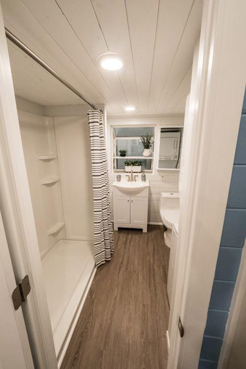Bathroom - Hekkert Hideaway by Free2Roam Tiny Homes