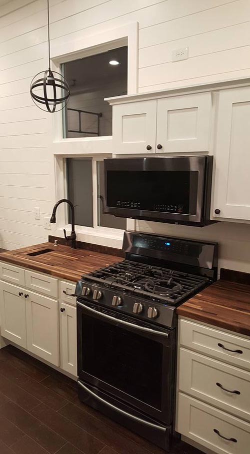 Full Size Appliances - Ventana by Alpine Tiny Homes