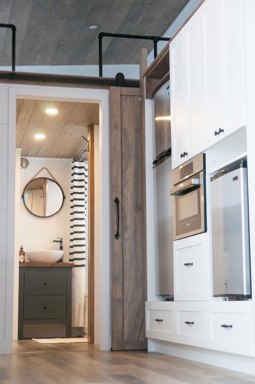 Refrigerator & Oven - Ebene by Minimaliste