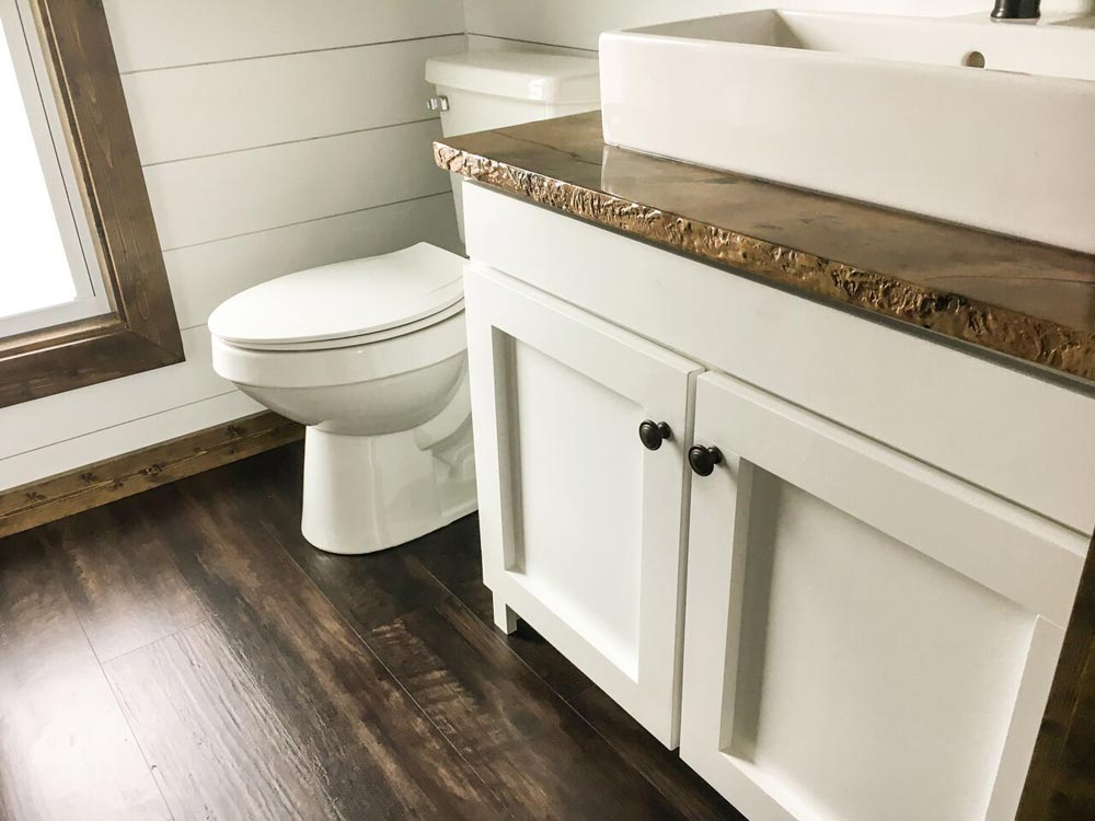 Bathroom - Fernweh by Harmony Tiny Homes