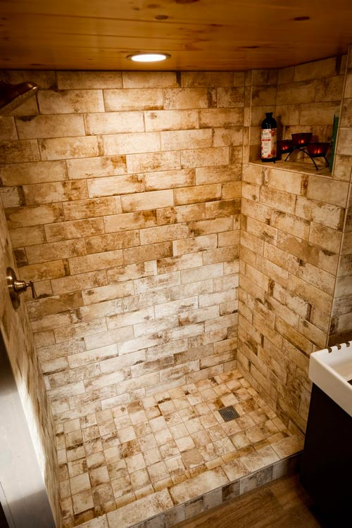 Tile Shower - Custom 24' by Habeo Tiny Homes