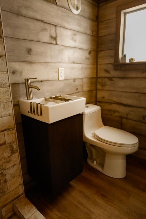 Bathroom - Custom 24' by Habeo Tiny Homes