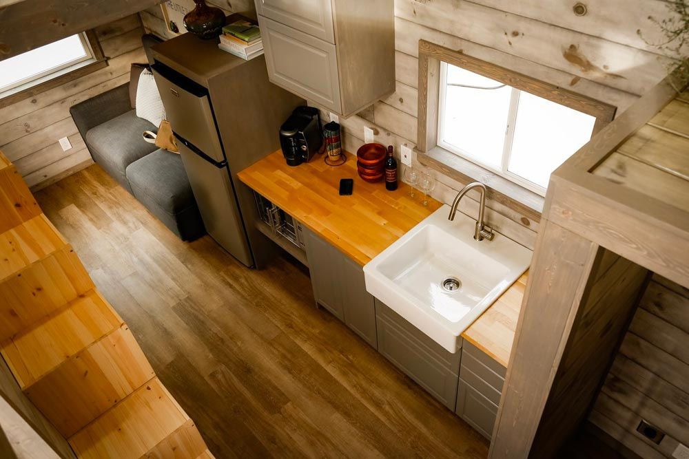 Kitchen Counter - Custom 24' by Habeo Tiny Homes