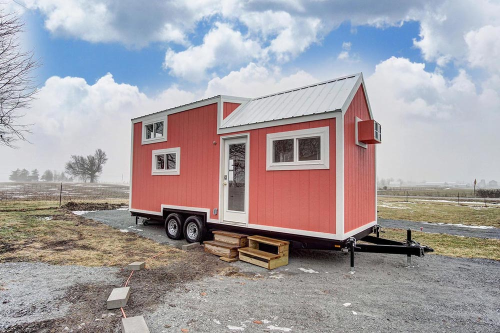 24' Tiny House - Poppy by Modern Tiny Living