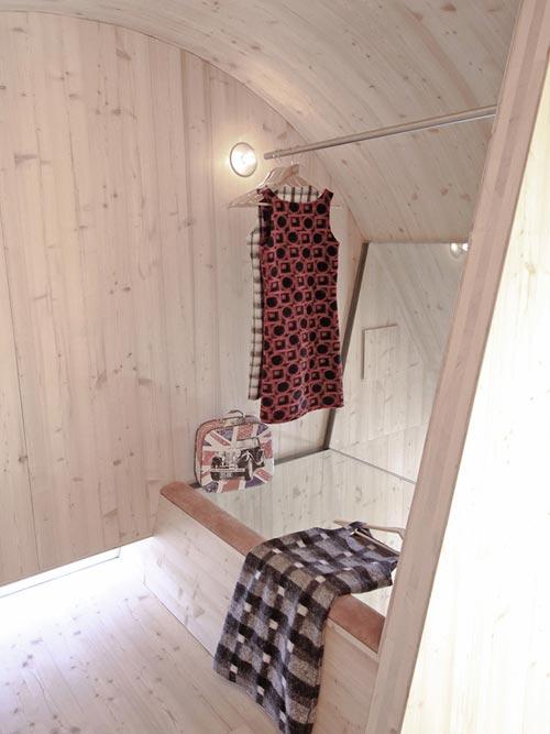 Closet - Ufogel Tiny House