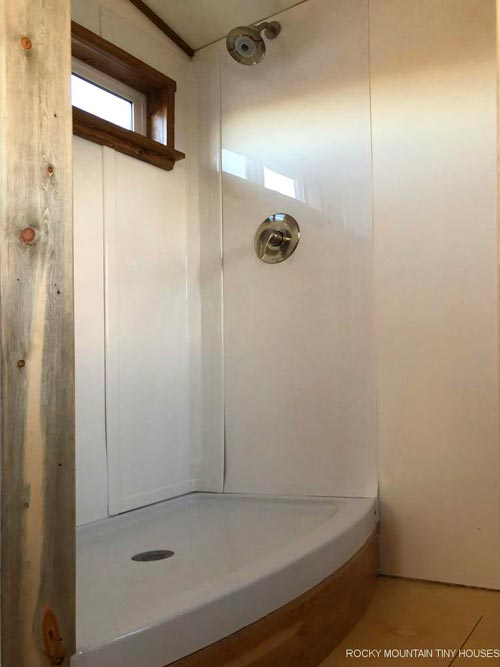 Shower - Wanderlust by Rocky Mountain Tiny Houses
