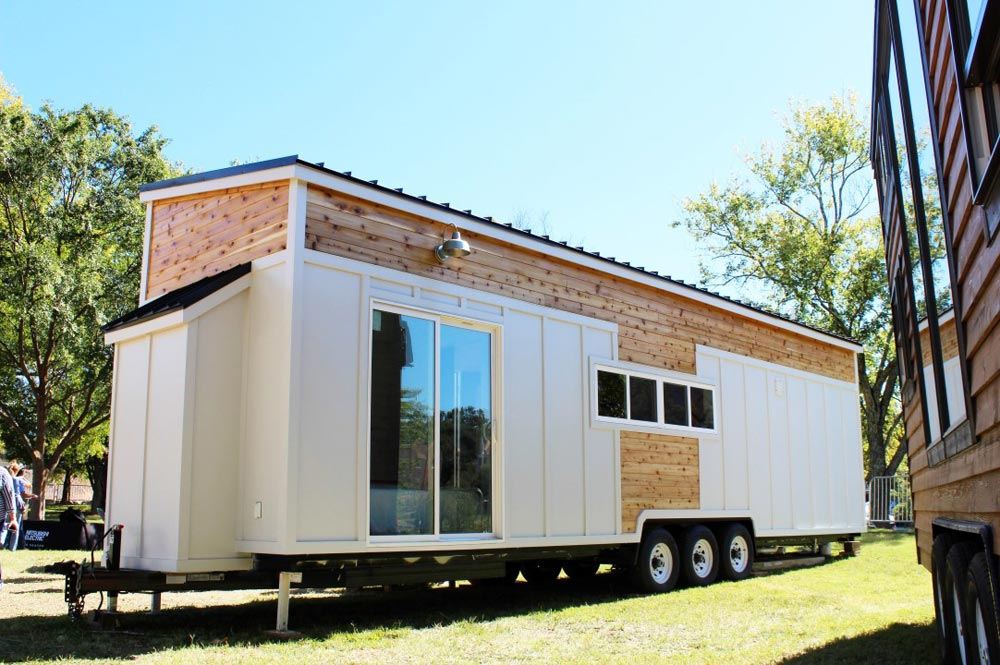 34' Tiny House - Everest by Mustard Seed Tiny Homes