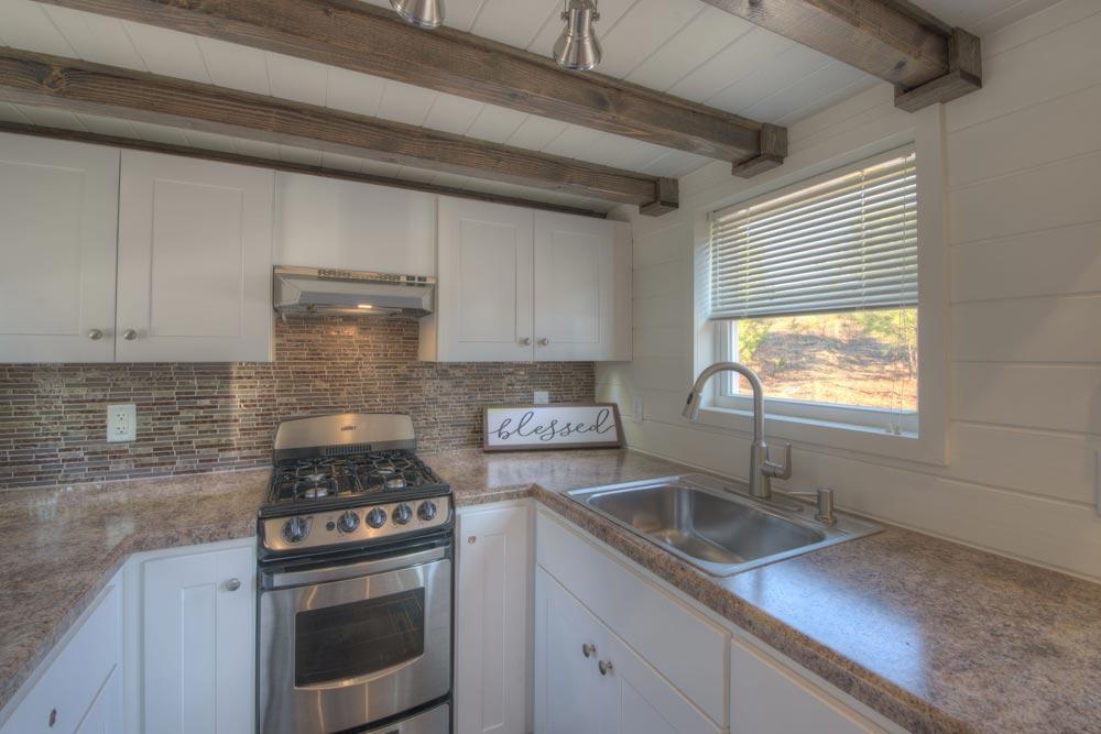 Range & Sink - Freedom v2 by Alabama Tiny Homes