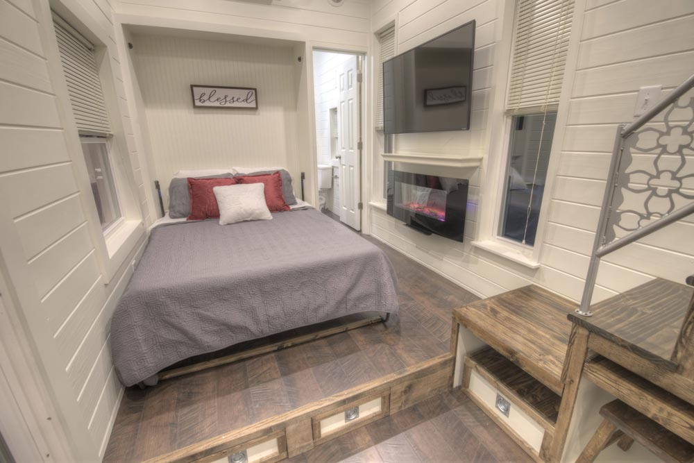 Murphy Bed - Freedom v2 by Alabama Tiny Homes