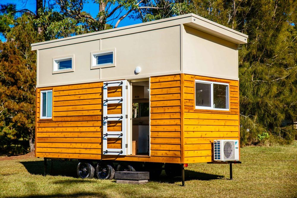 graduate series 6000dls by designer eco homes tiny living. Black Bedroom Furniture Sets. Home Design Ideas