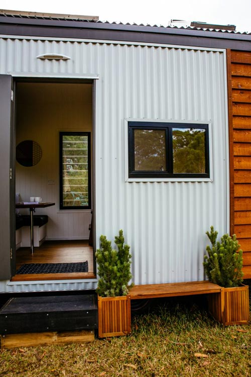 Corrugated Metal Accent - Independent Series 4800DL by Designer Eco Homes