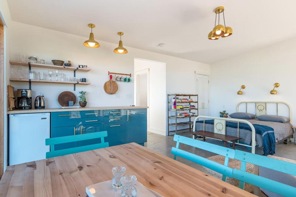Dining Table & Kitchenette - Island Farm Retreat