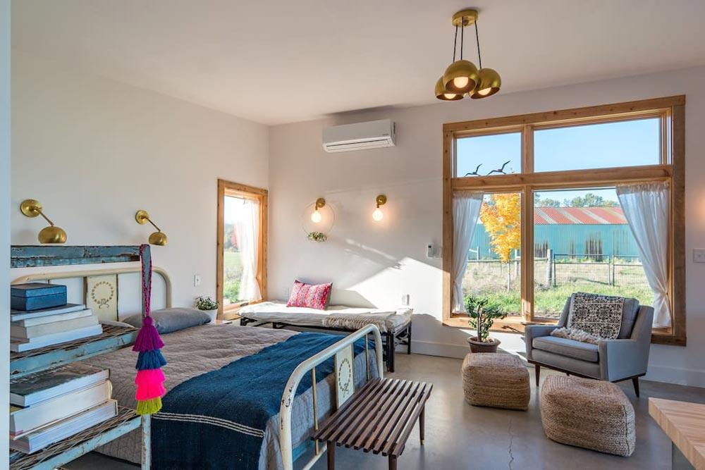 Bedroom Area - Island Farm Retreat