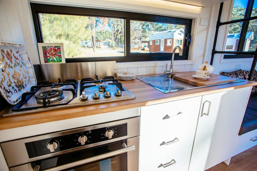 Cooktop & Oven - Lifestyle Series 7200GB by Designer Eco Homes