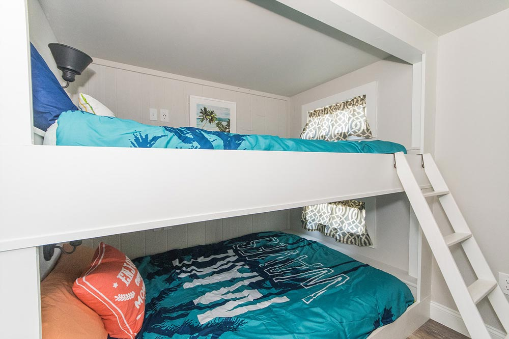 Queen Bunk Beds - Margarita at Tiny House Siesta