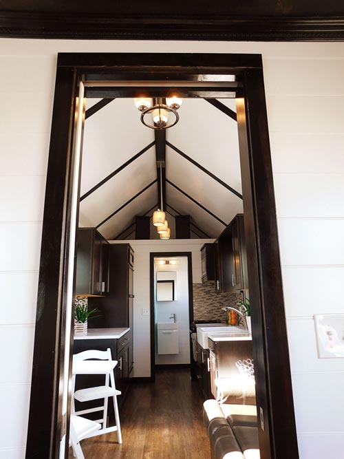 Entryway - Cascade by Tiny Idahomes