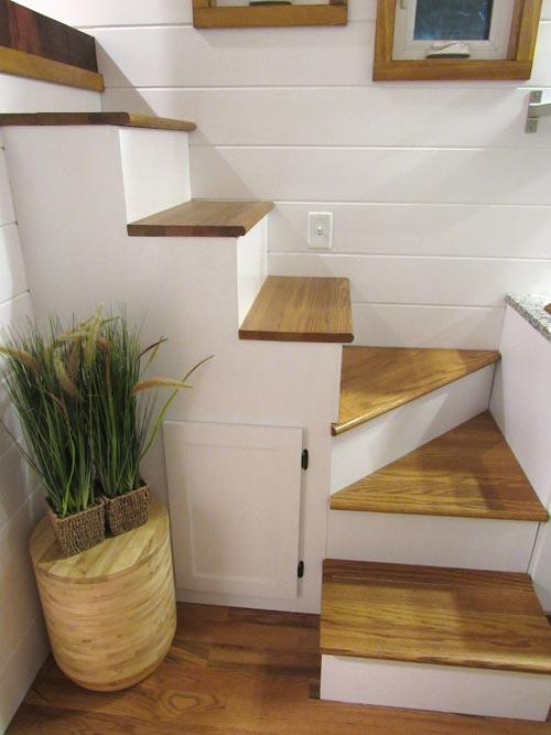 Staircase - Movie Star by Incredible Tiny Homes