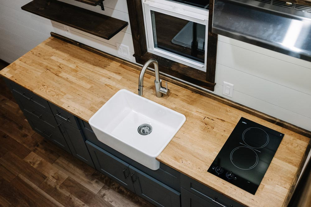 Farmhouse Sink - Noah by Wind River Tiny Homes